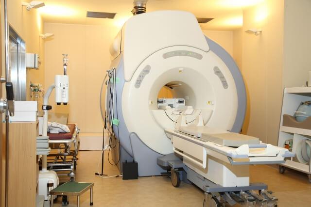 MRI検査の料金はいくら?頭部(脳)の料金の相場を教えます。