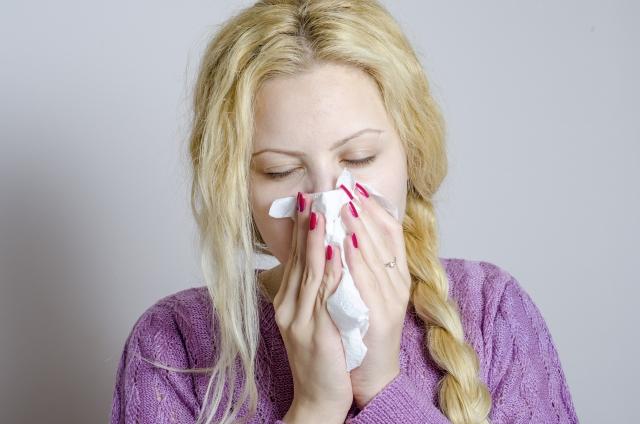 鼻がツーンと痛むのは?原因別に治し方を教えます。