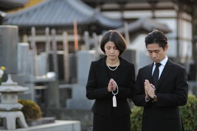 納骨の服装は?東本願寺にいくときは礼服でいかないと失礼?