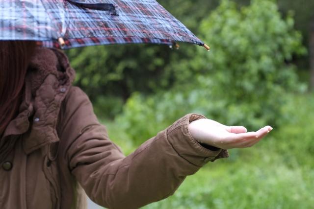 日傘と雨傘の違いはどこ?見分け方のチェックポイントはココ!