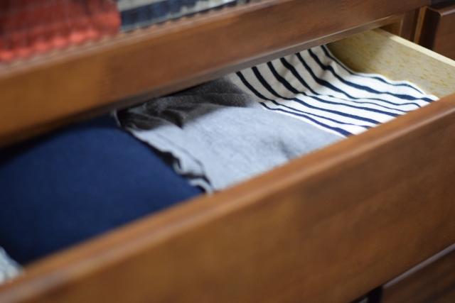 服についた防虫剤の臭いの取り方 ナフタリンや樟脳の臭いの消し方はコレ