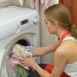 脇汗の黄ばみの落とし方!汗じみの洗剤の種類や洗濯方法の紹介!
