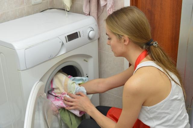 脇汗の黄ばみの落とし方 よく落ちる洗剤はどれ?洗濯方法は?