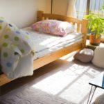 ワンルームのベッドの配置!向きが北枕や頭が窓になるのはNGなの?