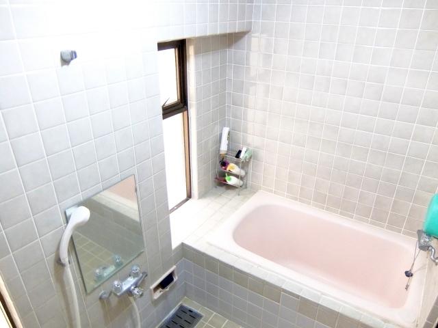 お風呂の栓のチェーン交換方法!根本の外し方や取り換え方はコレ