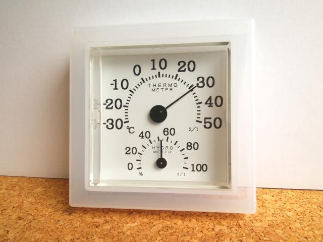 除湿機を使うと部屋が暑い?暑くならない対策はある?