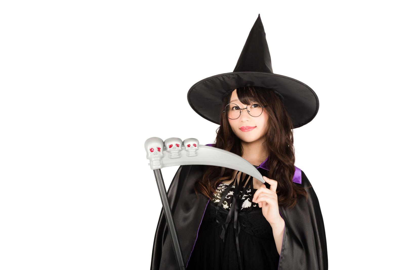 魔女の切り絵の作り方 簡単な型紙の選び方や切り方のコツなどを紹介