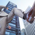 スーツの処分の方法 捨てるタイミング基準や着ないスーツの下取りについて