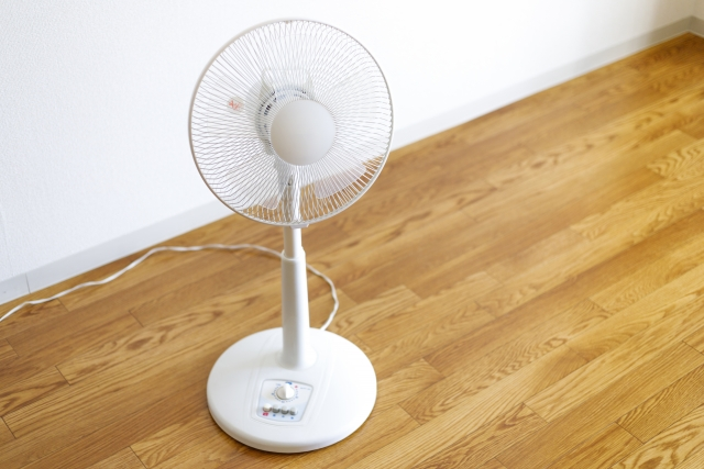 扇風機の掃除 分解の仕方やカバーの外し方 羽根の洗い方のコツなど