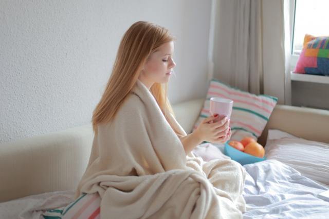 ベットが窓際で寒いときの対策 100均などでできる簡単な対処法はコレ