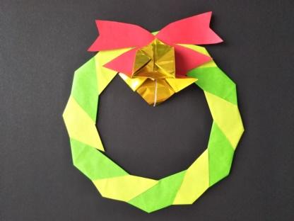 クリスマス折り紙のリースの作り方 簡単な折り方でおしゃれにするコツ