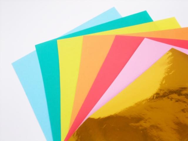 折り紙リースを12枚で作る方法 折り方や作り方を簡単にご紹介