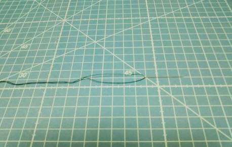 ズボンの補修につかった糸の画像